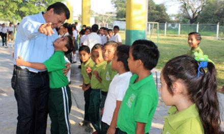 Educación, prioritaria para el Profe Chano