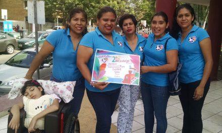 Mujeres promueven inclusión a través de una marcha