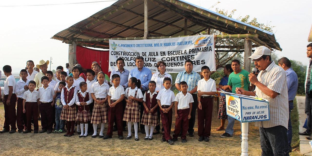 Inicia construcción de aula escolar en Buenos Aires
