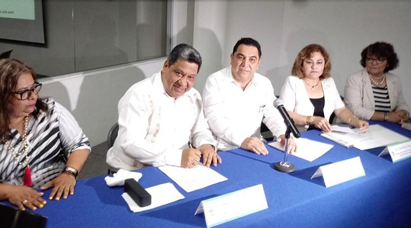 Firman convenio para impulsar el trabajo social