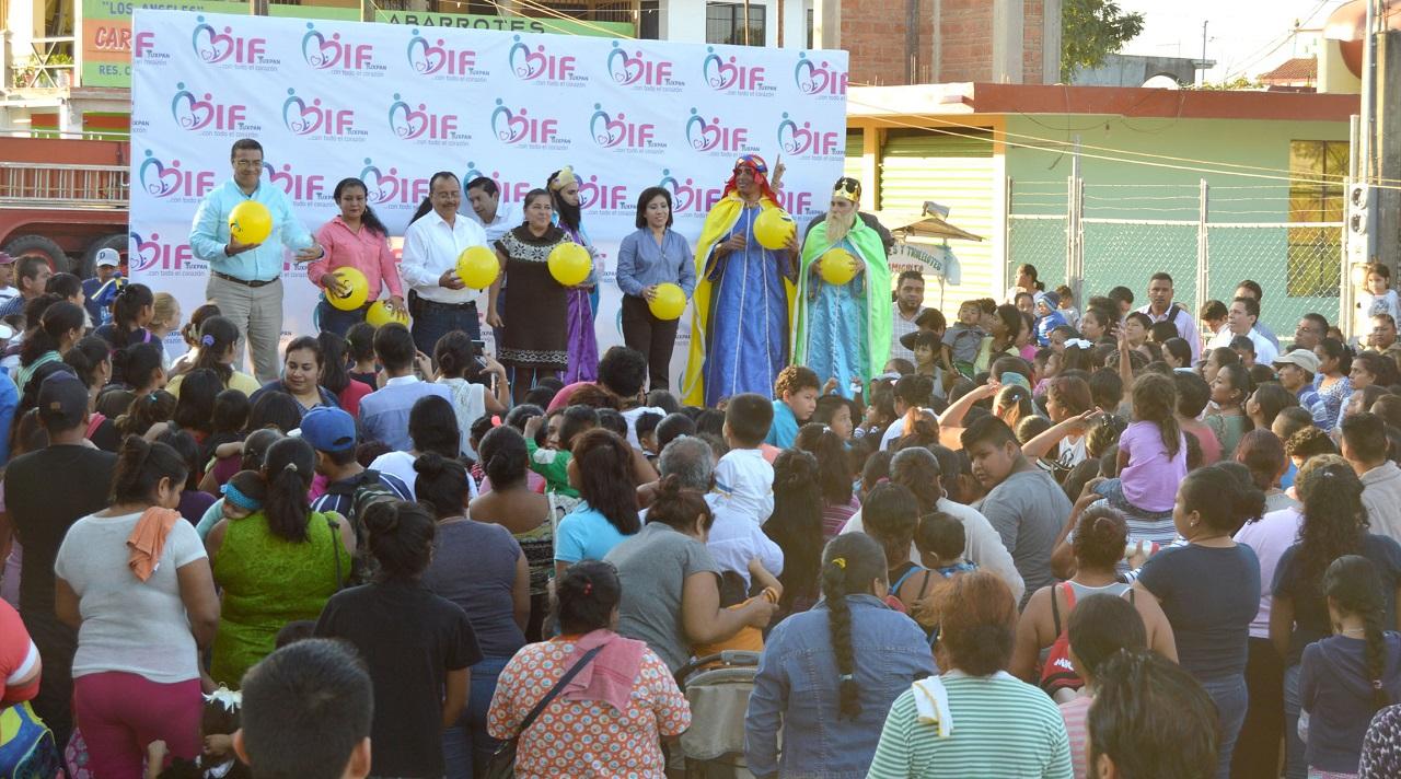 Llegan las Sonrisas a la Colonia Antorchista: Tuxpan