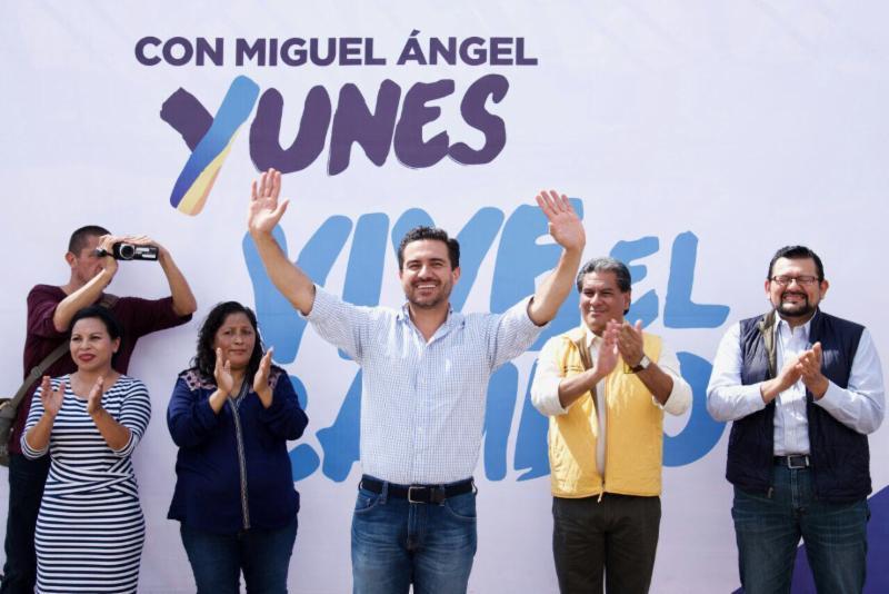 El precandidato del PAN y PRD a la gubernatura de Veracruz, Miguel Ángel Yunes Márquez, visitó a la militancia de San Juan Evangelista y Sayula de Alemán: Regional