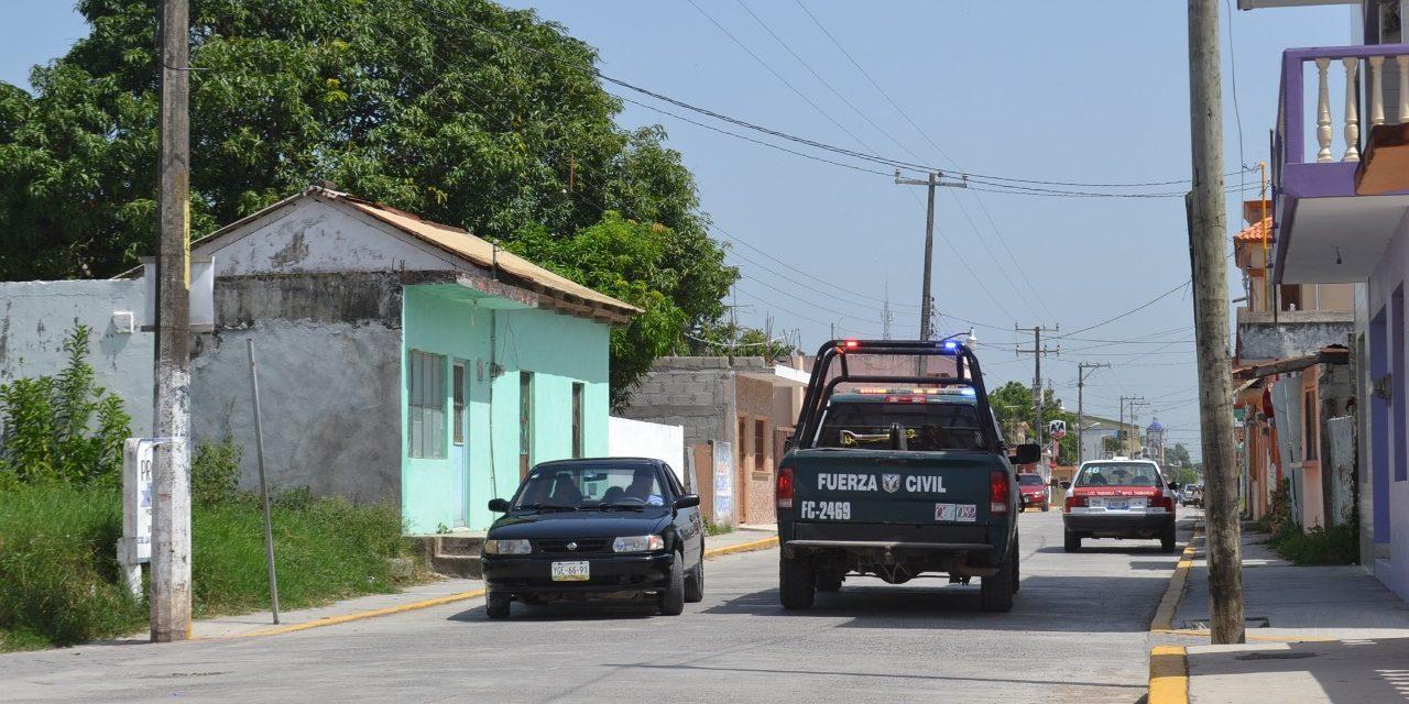 Peligroso poste en calle Miguel Hidalgo