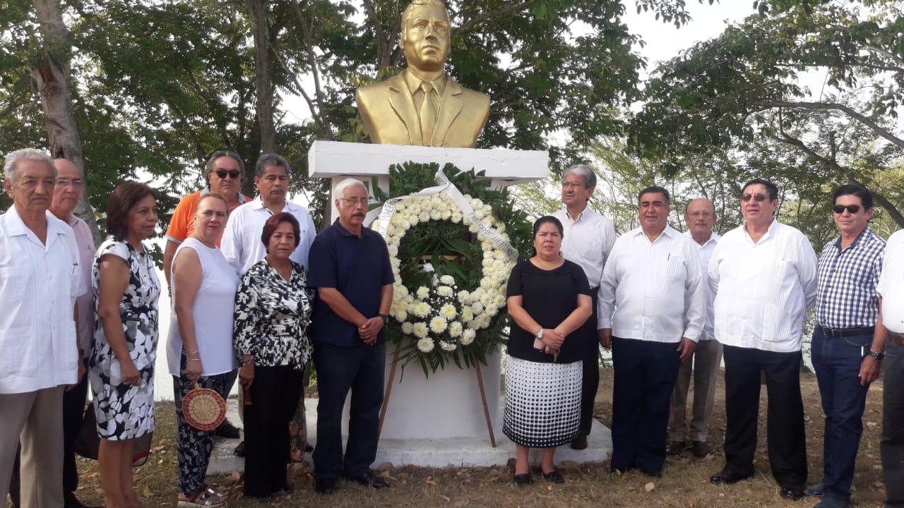 Se conmemora aniversario luctuoso del Lic. Demetrio Ruiz Malerva