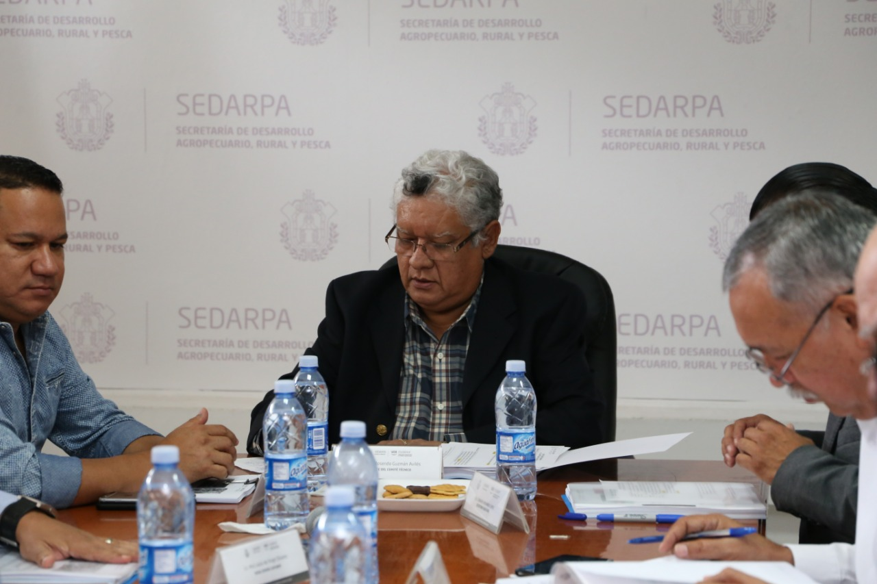 Encabeza Joaquín Guzmán la sesión extraordinaria del FIVERFAP