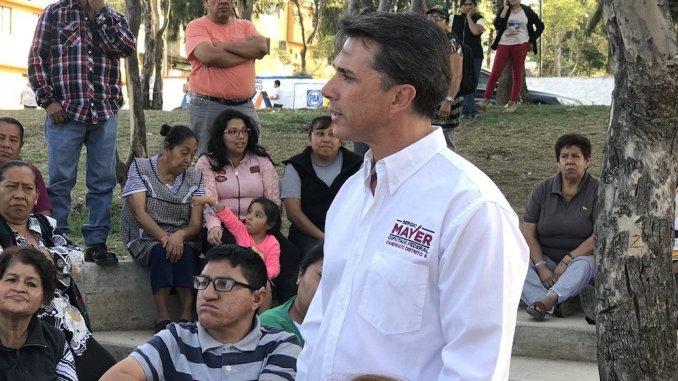"Afirma Sergio Mayer que como diputado ""no le alcanza"""