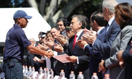 Preside el Gobernador Yunes la ceremonia de graduación de 125 policías municipales