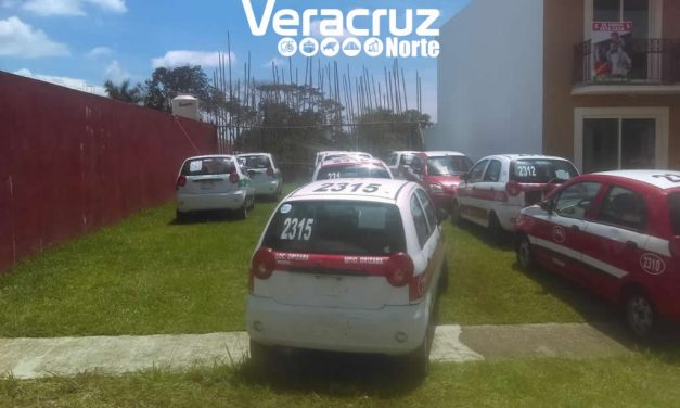 Asegura SSP 19 taxis, presumiblemente propiedad de familiar cercano de Javier Duarte