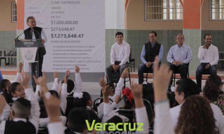 Gobernador Yunes y Alcalde Fernando Yunes entregan obra de rehabilitación integral de la Escuela «General Miguel Alemán