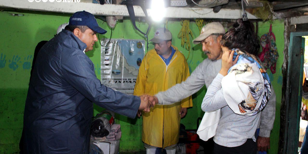 Alcalde Juan Antonio Aguilar lleva Ayuda a Damnificados