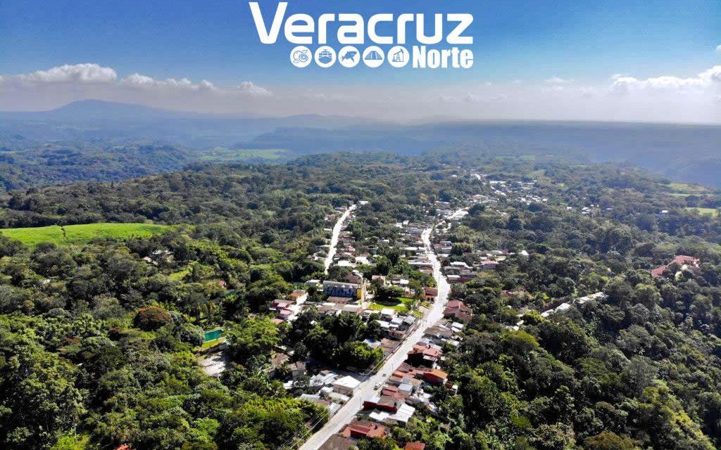 Inaugura el Gobernador Yunes la reconstrucción en concreto hidráulico de la carretera Teocelo – Monte Blanco – Llano Grande