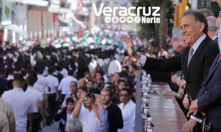 Festivo y con gran participación, el desfile cívico-deportivo conmemorativo al 108 aniversario del inicio de la Revolución Mexicana
