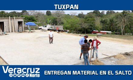 Entrega Gobierno Municipal material para construcción en la comunidad El Salto