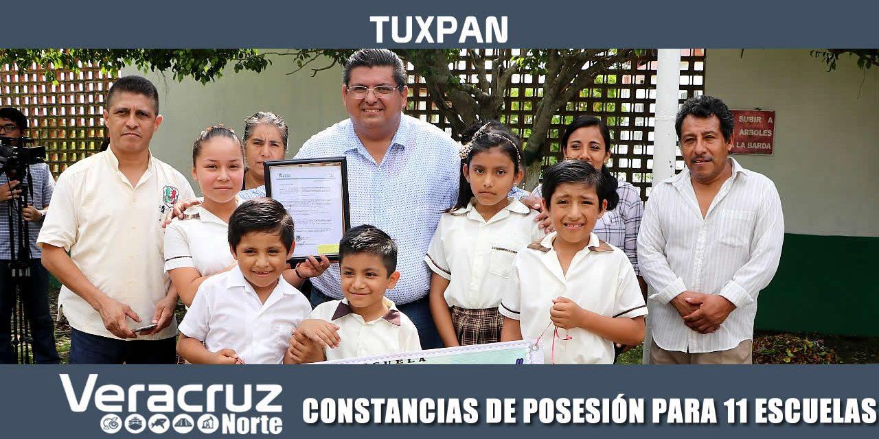 CONSTANCIAS DE POSESIÓN PARA 11 ESCUELAS