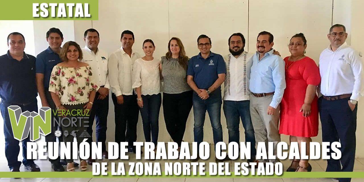 FISCAL GENERAL PRESIDE REUNIÓN DE TRABAJO CON ALCALDES