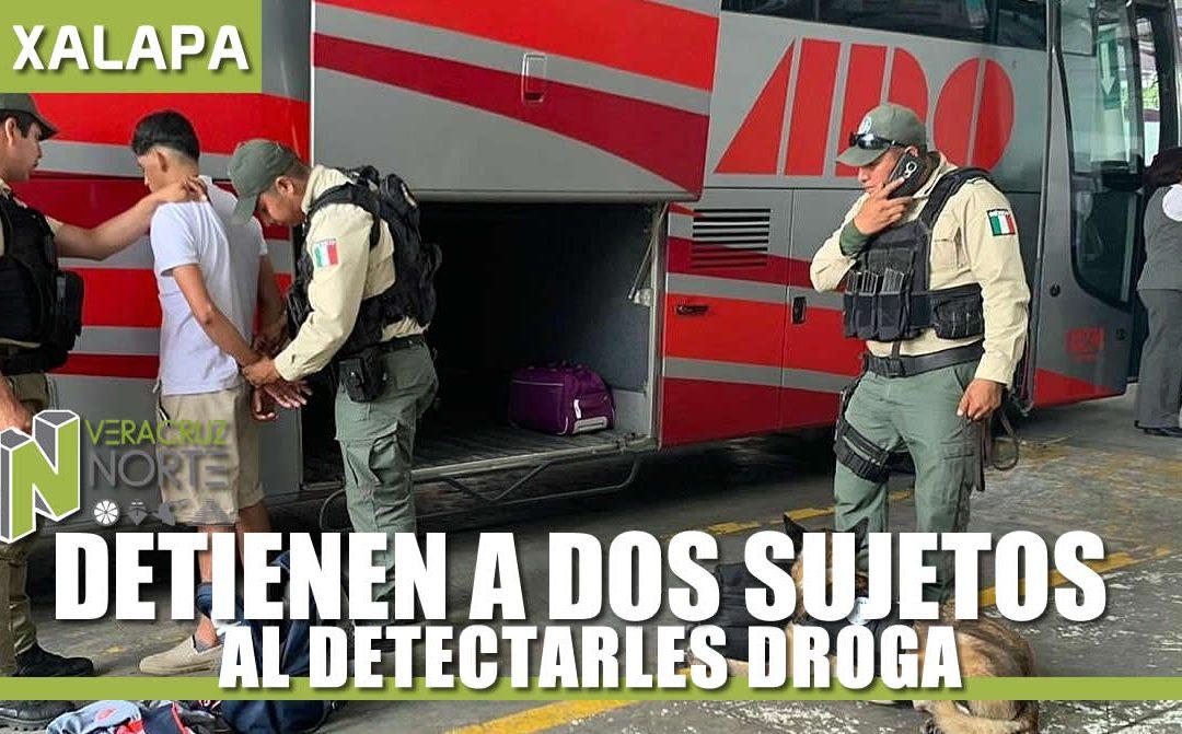 DETIENEN A DOS SUJETOS AL DETECTARLES DROGA