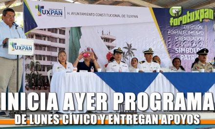 Inicia programa de Lunes Cívico y entregan apoyos