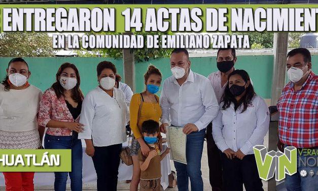SE ENTREGARON  14 ACTAS DE NACIMIENTO EN LA COMUNIDAD DE EMILIANO ZAPATA
