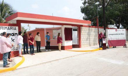 ENTREGA JAVIER VELÁZQUEZ OBRAS DE EDUCACIÓN Y DESARROLLO SOCIAL POR CASI $ 4 MDP